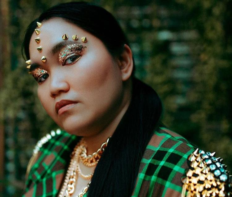 13 Fat Asian Babes to Follow